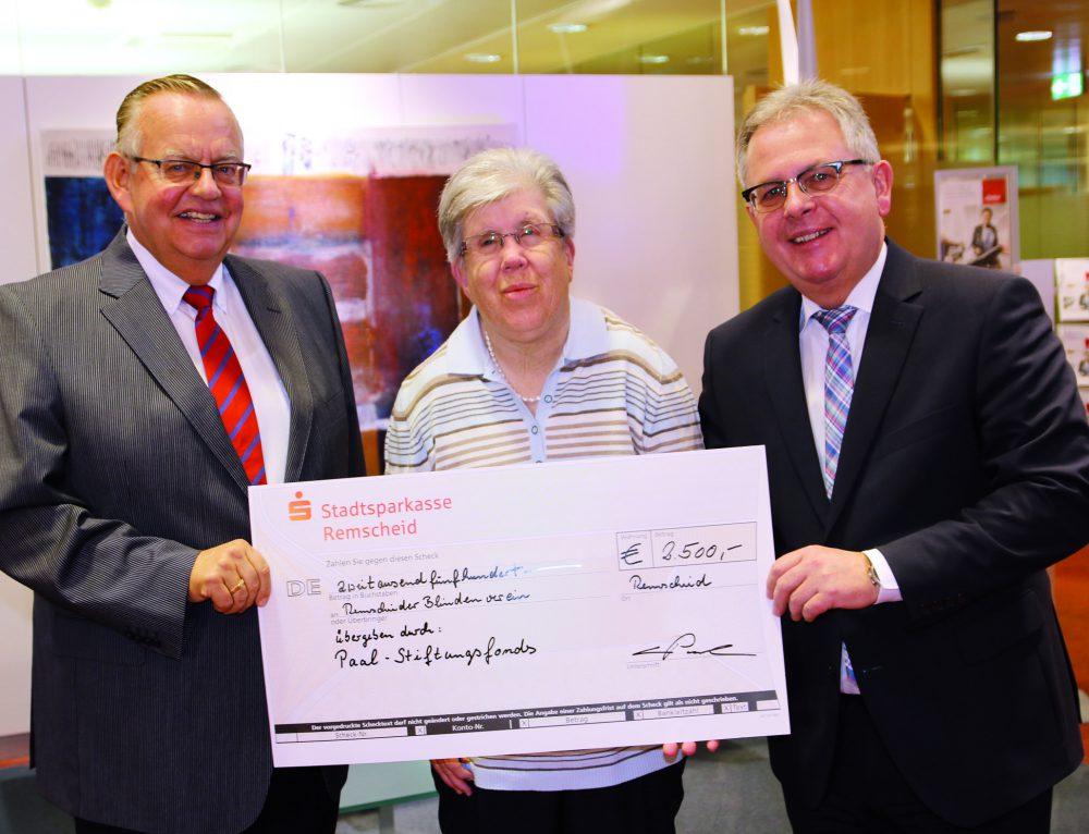 Paal-Stiftungsfonds spendet an Blindenverein